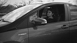 Jella Haase unterwegs in Berlin / Quelle: Toyota